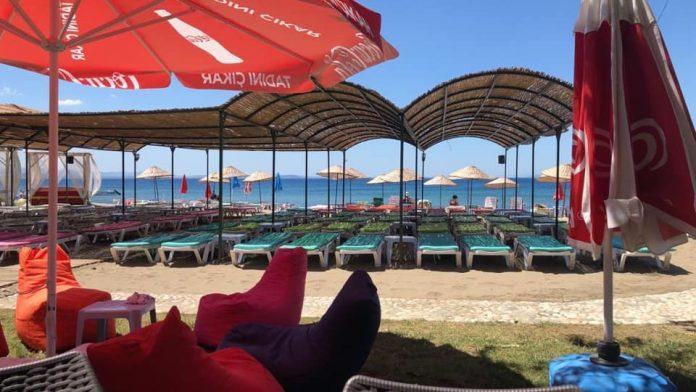 Mekan Cafe, Beach & Camping