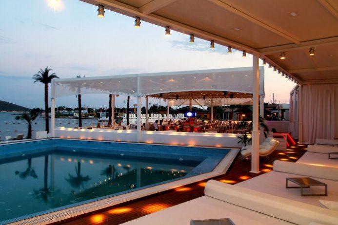 Wyndy Beach Club