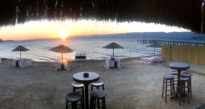 Zirve Beach