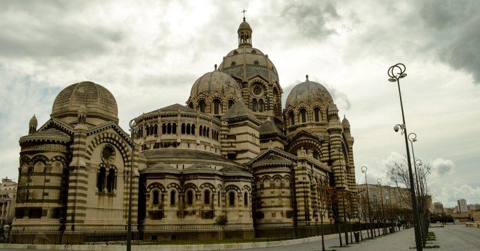 marsilya katedrali