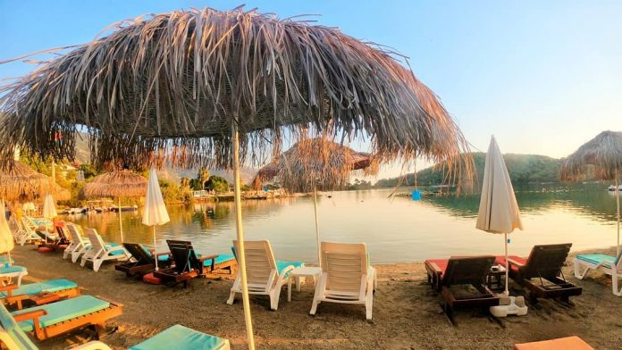 Paradise Beach Bar & Restaurant