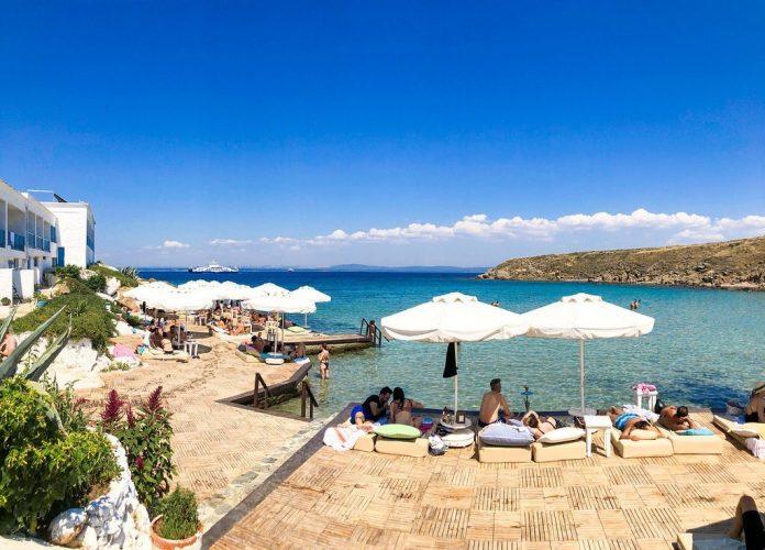 Pelagos Beach & Bungalov