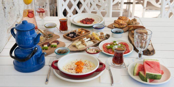 Türk kahvaltı sofrası