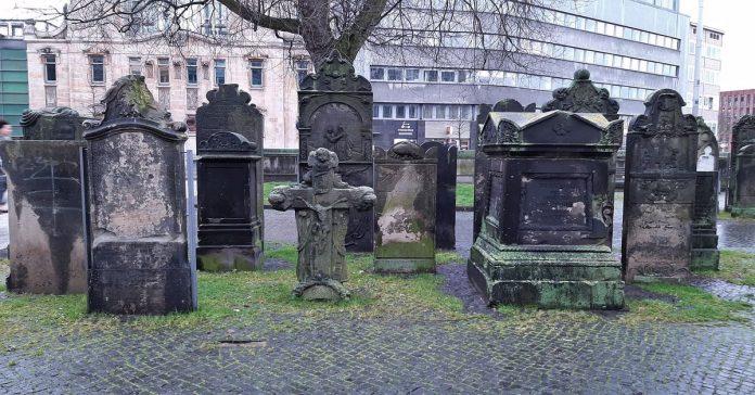 aziz nicolai mezarlığı