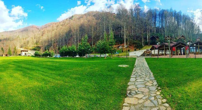 Güzeldere Şelalesi Tabiat Parkı Kır Evi