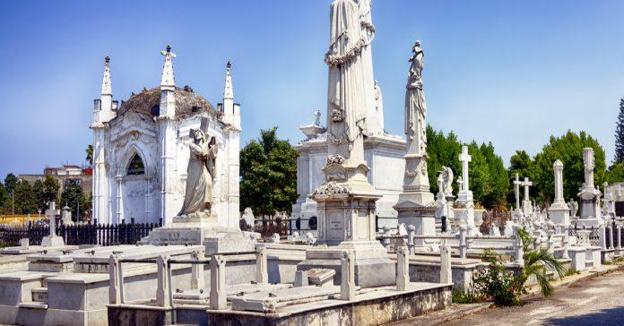 colon mezarlığı