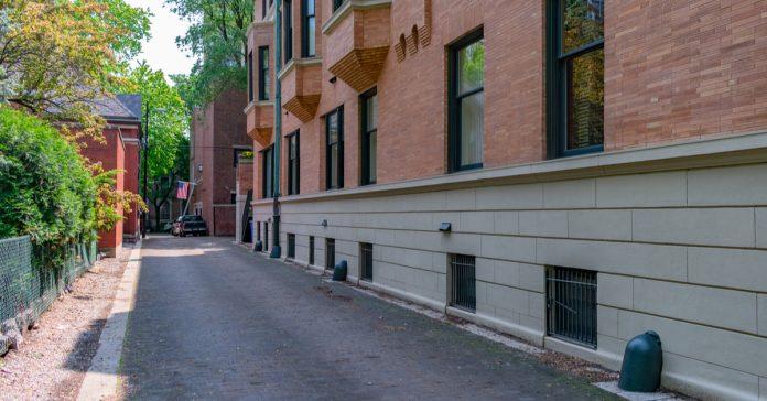 chicago wooden alley