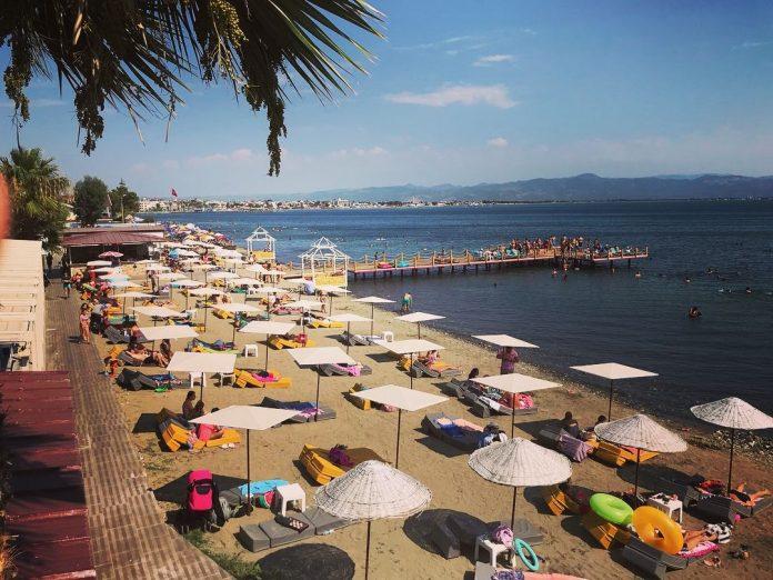 Maça Beach Club